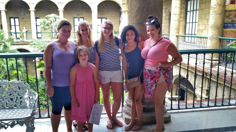Spanish class touring museums